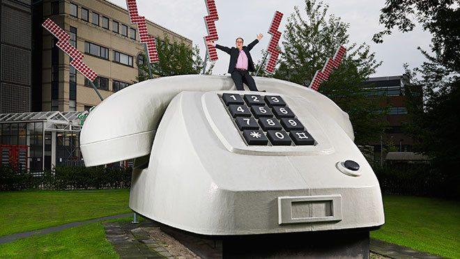 Cel mai mare telefon fix din lume
